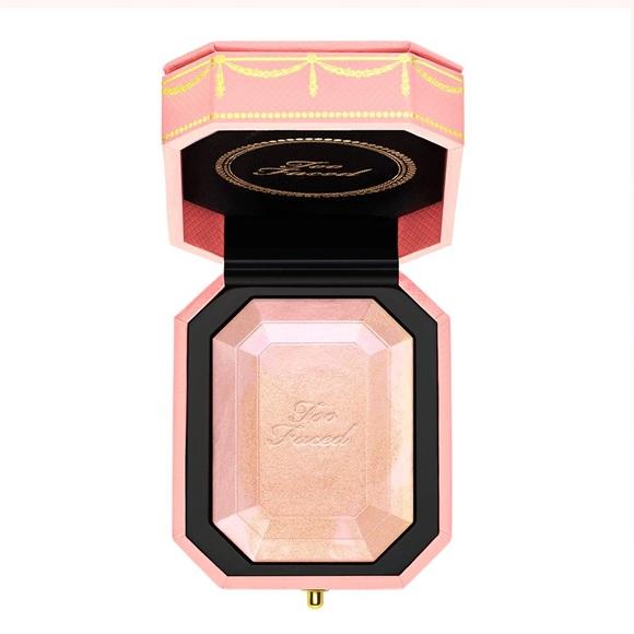 BNIB Too Faced Diamond Light Pink Highlighter! 💎